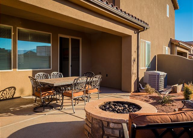 Fire pit and out door dining.