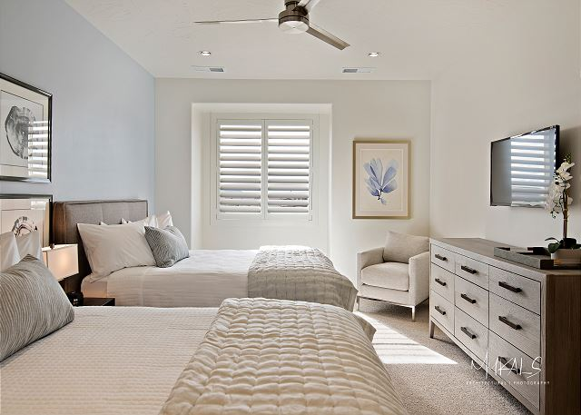 Bedroom 4 - 2 Queen Bed upstairs