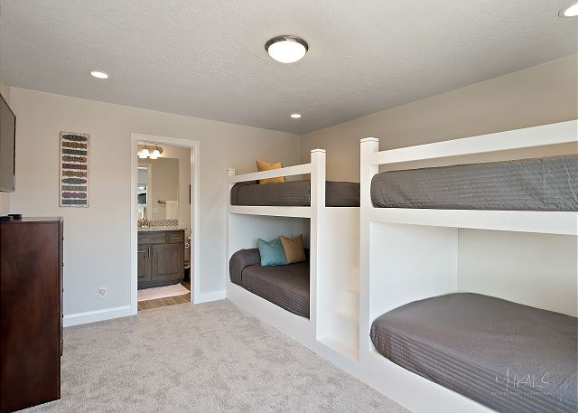 Built in bunk room - on suite bathroom