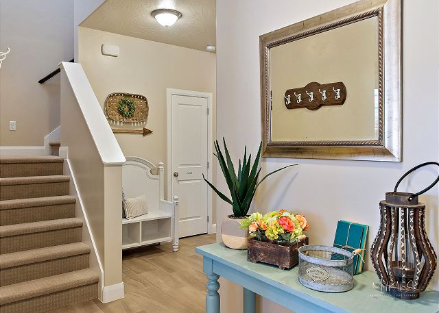 Stairs/Entry way