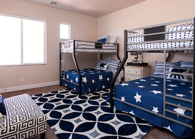 4th bedroom - 2 bunks twins over fulls