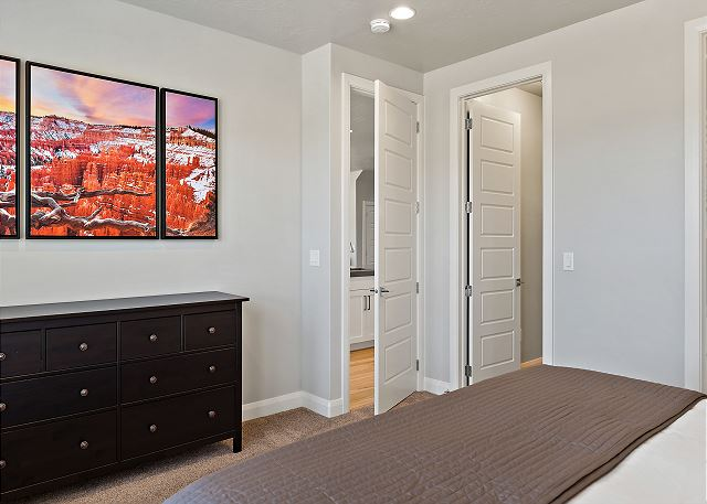 Master Bedroom - king (main floor)