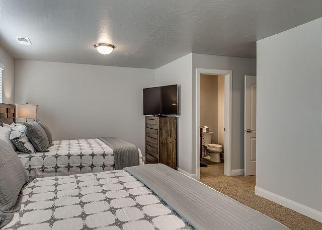 Bedroom 2 - 2 Queen Beds, Private Bathroom