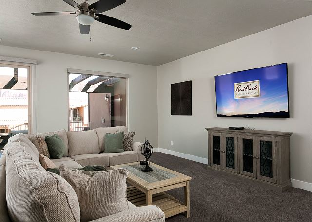2nd Living Space upstairs, flat screen TV
