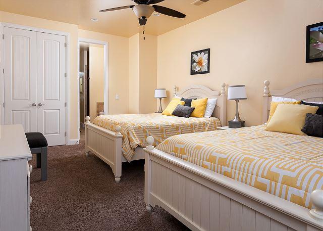 3rd Bedroom - 2 queens - Master Suite #2