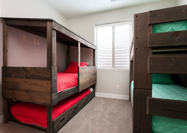 Bedroom 6 - 2 Twin/Twin Bunk Beds