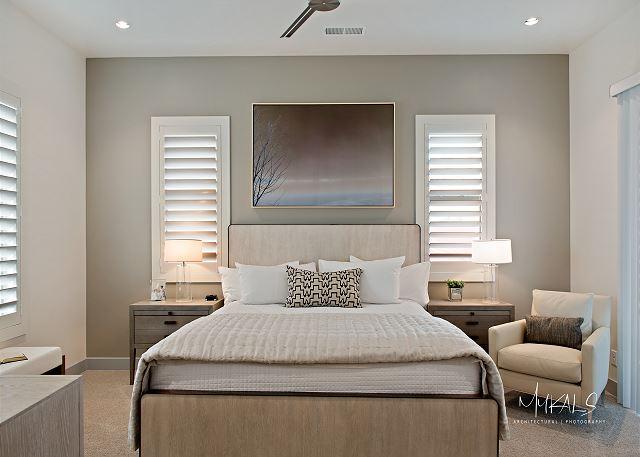 Master Bedroom 3 - Queen Bed Upstairs