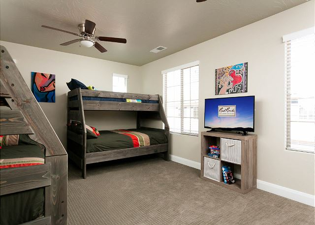 Bunk Room 3 sets of twins over fulls and flat screen TV