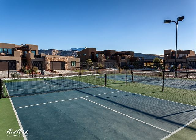 Community Pickleball courts