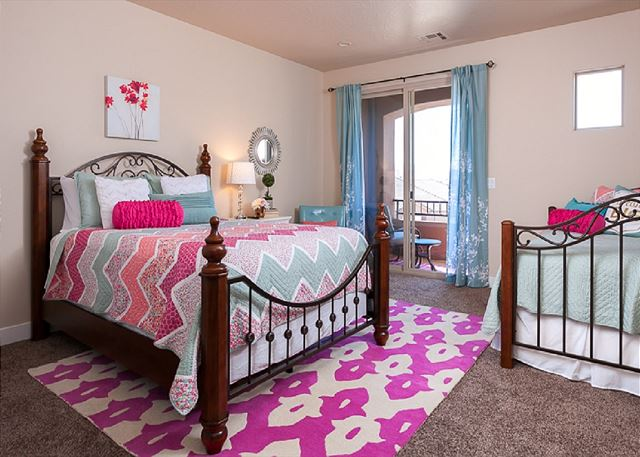 3rd bedroom, 1 queen, 1 twin daybed with twin trundle