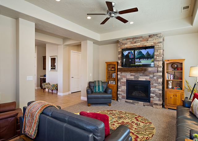 Living room with TV/Fireplace and seating for 7