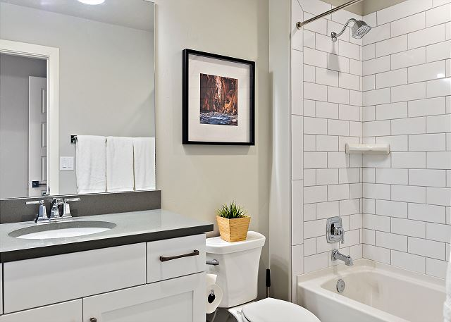 Bunk room full bath