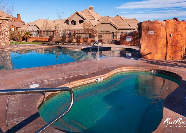 2 Pools, 2 hot tubs