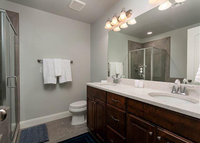 Double sinks master bath