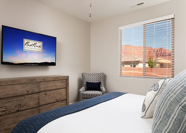 Bedroom 1 - 1 King