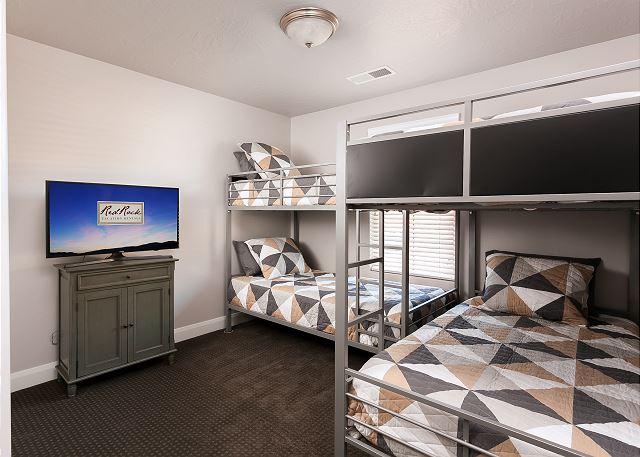Bunk Bedroom - 4 single bunks