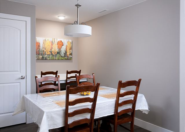 Dining room, seating for 6