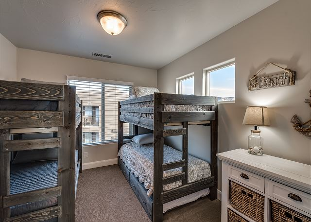 Bedroom 3 Bunk Room 2 Twin/Twin with 1 twin trundle (5 beds)
