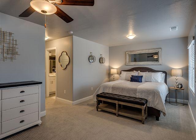 Huge master bedroom - king bed