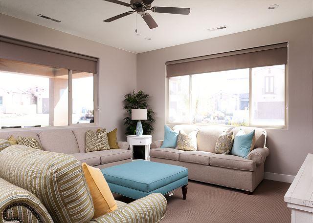 Main floor living room - seating for 8 - sofa sleeper