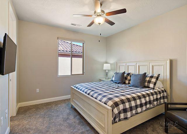 Master Bedroom 6 - Queen Upstairs