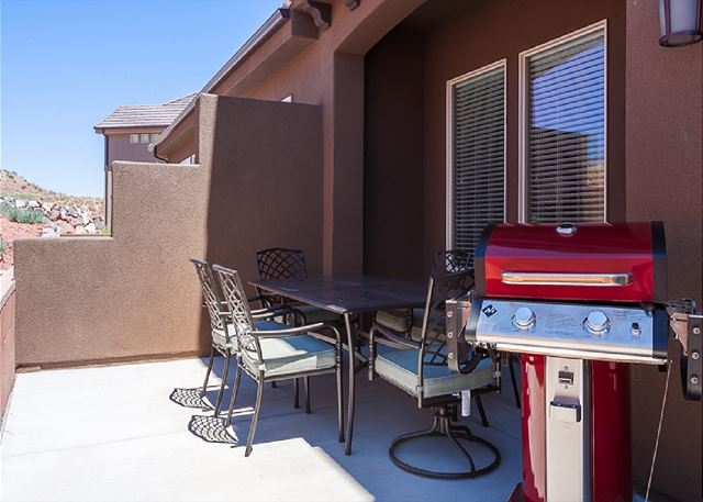 Grill / Patio Table