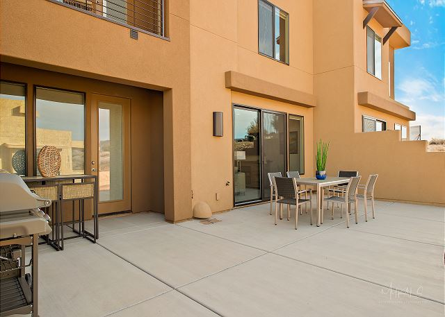 Patio Dining Room and grill