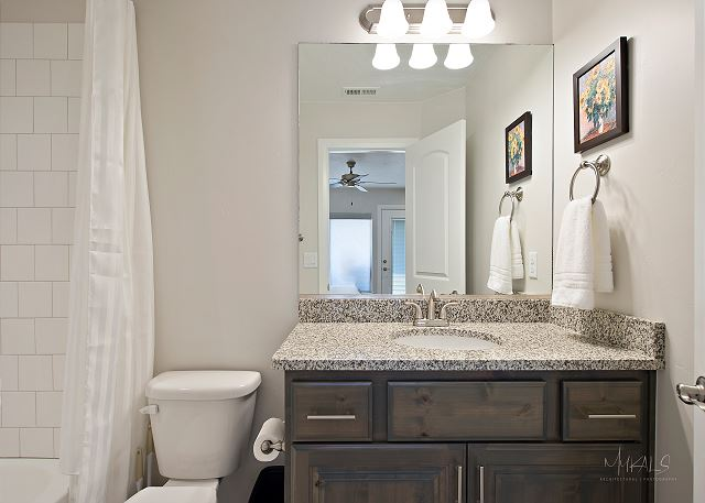 Full bathrroom