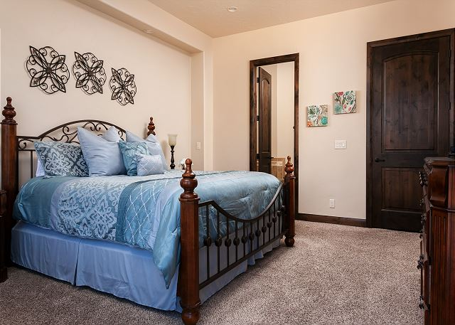 Bedroom - King