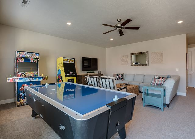 Family Room - arcades, air hockey & shuffle boards
