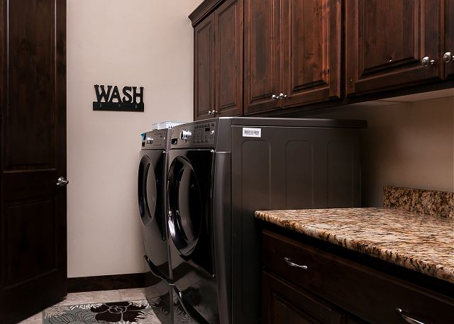 Laundry Room - Washer/Dryer