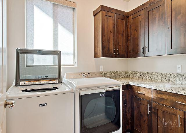 Laundry Room Full size washer & dryer