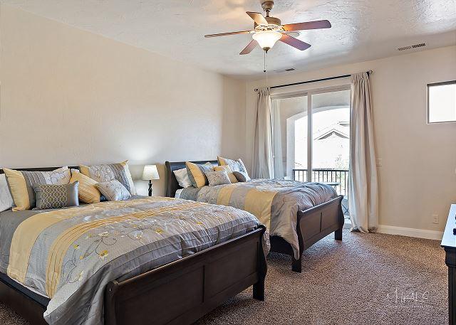 2nd Master suite - 2 queen beds
