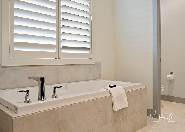 Master Bedroom 2 - Bathroom
