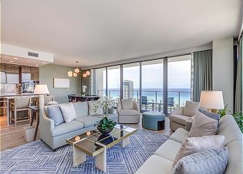 33階3ベッドルーム at リッツ・カールトン・レジデンス・ワイキキビーチ