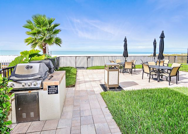 The Shores #103 - Lovely Updates / Next to POOL / Beachfront Condo!
