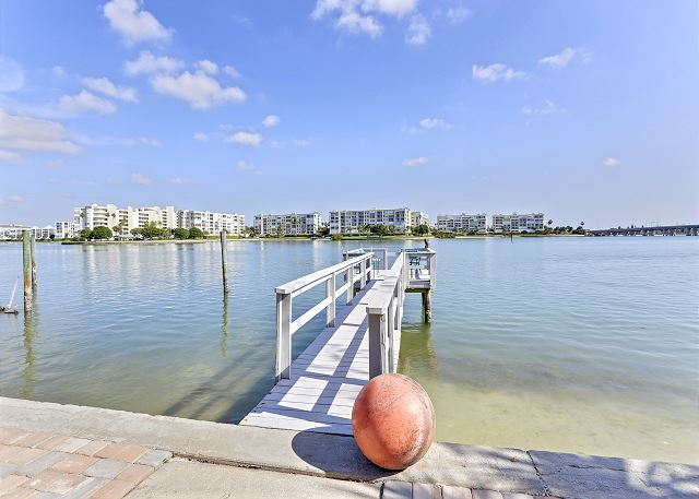 Boca Bay Bungalow 1BR - Wide open water view - Fishing Dock - Walk to BEACH!