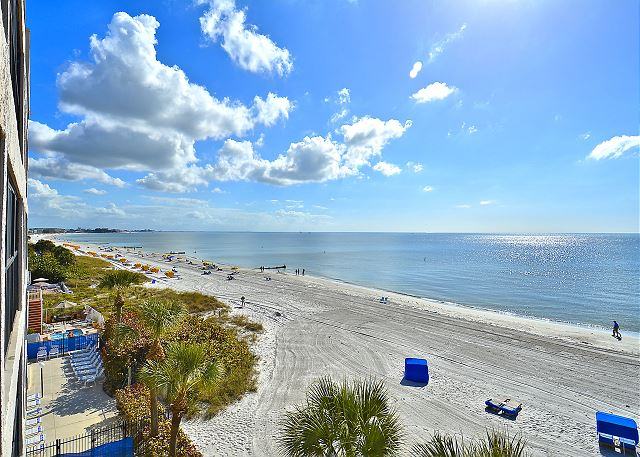 Arie Dam 304 Direct Beachfront/Private Balcony with GULF Views!!