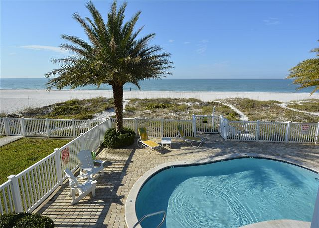 Sunset Villas 1-Amazing pool/Beachfront/BBQ/2 balconies-only 4 condos!