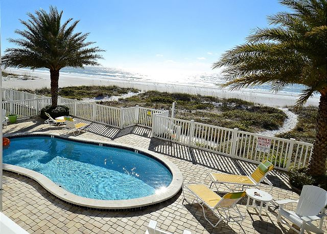 Sunset Villas #2 - Amazing VIEWS/pool/sun deck/Beachfront-only 4 condos!