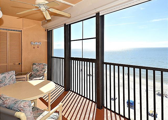 Villa Madeira 609-Top floor beach front/Walk to everything/Beautiful beach!