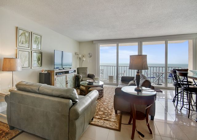 Trillium 5C Beach Front/Private Balcony with Amazing Gulf Views/Pool!