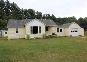 Cozy Lakes Region Home in Gilford (WOO377B)