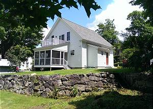 Charming New England Home in Meredith (HUR5B)