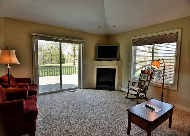 Unit 703 2 BD/ 2BA condo with garage