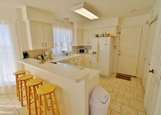 Sunshine Dreams is a beautiful 3 bedroom home for a perfect vacation - Galveston, Texas