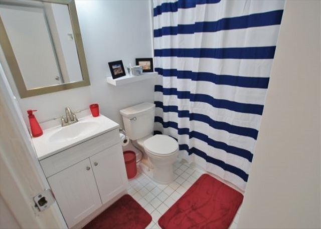 Desirable and affordable beach view condo in great location! - Galveston, Texas