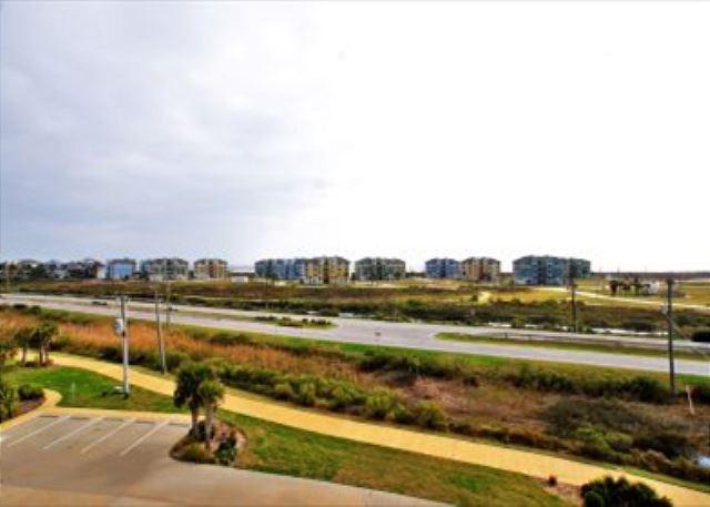 Amazing bayside condo with beach and bay views! - Galveston, Texas