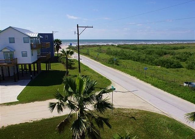 Spectacular beachside home with breathtaking views of the beach! - Galveston, Texas