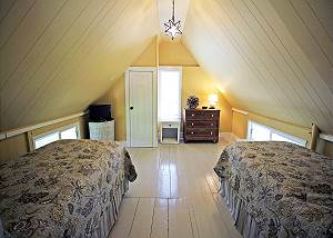 Another view of Twin bedroom
